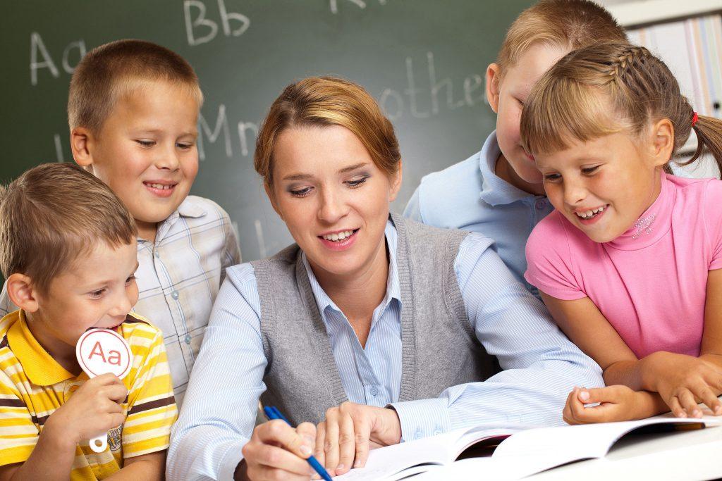 invatatoare la scoala