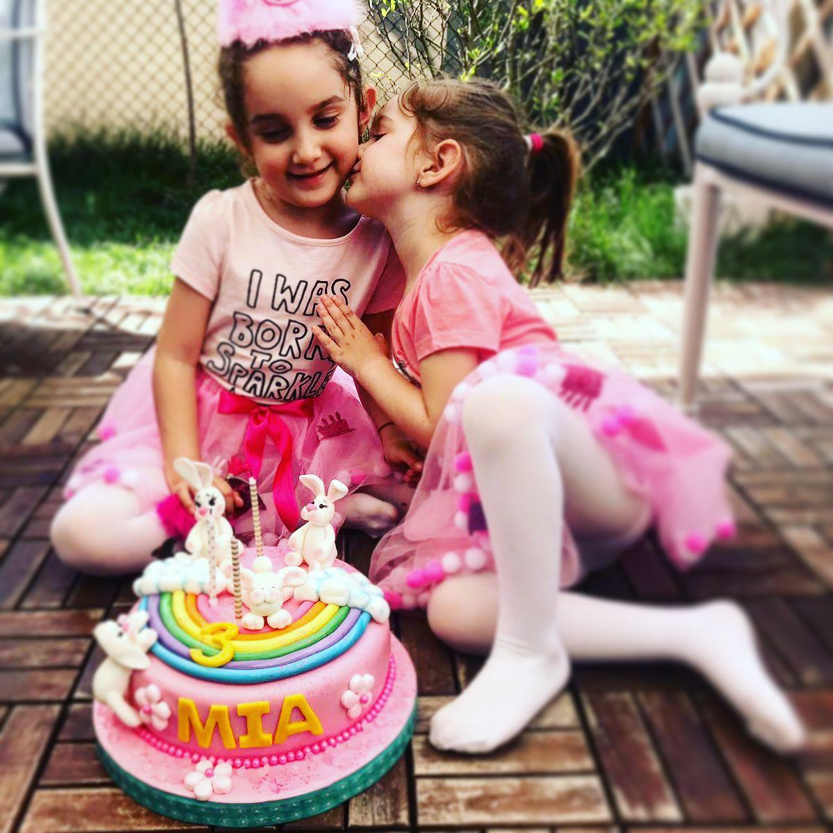 Cele doua fiice ale lui Florin Dumitrescu (Foto Facebook)